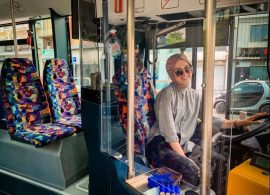 Νεσλιχάν Κιοσέ: στα 22 της στο τιμόνι του αστικού ΚΤΕΛ Κομοτηνής!