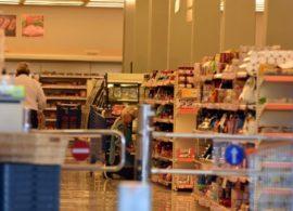 Σαρώνει η ακρίβεια στα σούπερ μάρκετ: Ποια προϊόντα θα «χτυπήσουν κόκκινο» μέχρι τα Χριστούγεννα